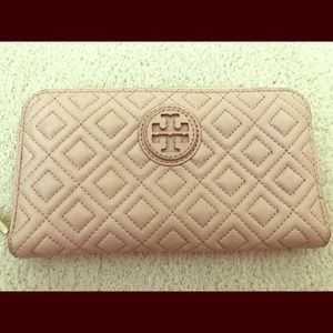 Brand New Tory Burch Fleming Quilted Wallet